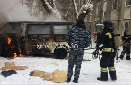 Мужское тело обнаружили всгоревшем автомобиле Мазда Bongo вИркутске